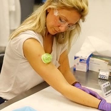 Dispositivo que coleta sangue sem agulha e sem dor está chegando ao mercado