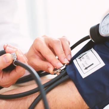 O sal em excesso pode levar à hipertensão. Saiba mais sobre a doença