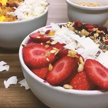 Receitas Viver Bem: Tigela de frutas com granola
