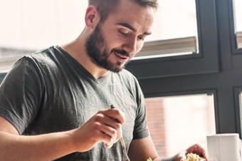 Alimentação: dicas para comer bem fora de casa