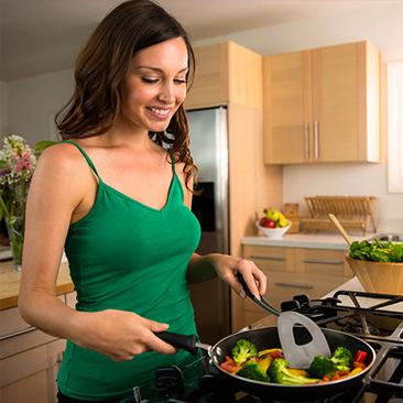 Dicas para criar o gosto pela culinária e aproveitar os benefícios da comida caseira