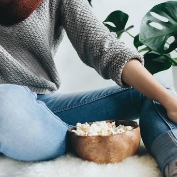 Cinema em casa, automassagem facial e dicas para estudo e trabalho a distância!