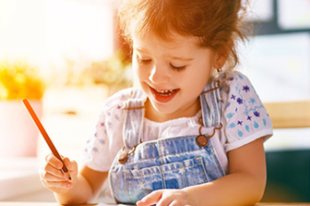 Que tal brincar de colorir? Desenhos para imprimir e pintar com as crianças